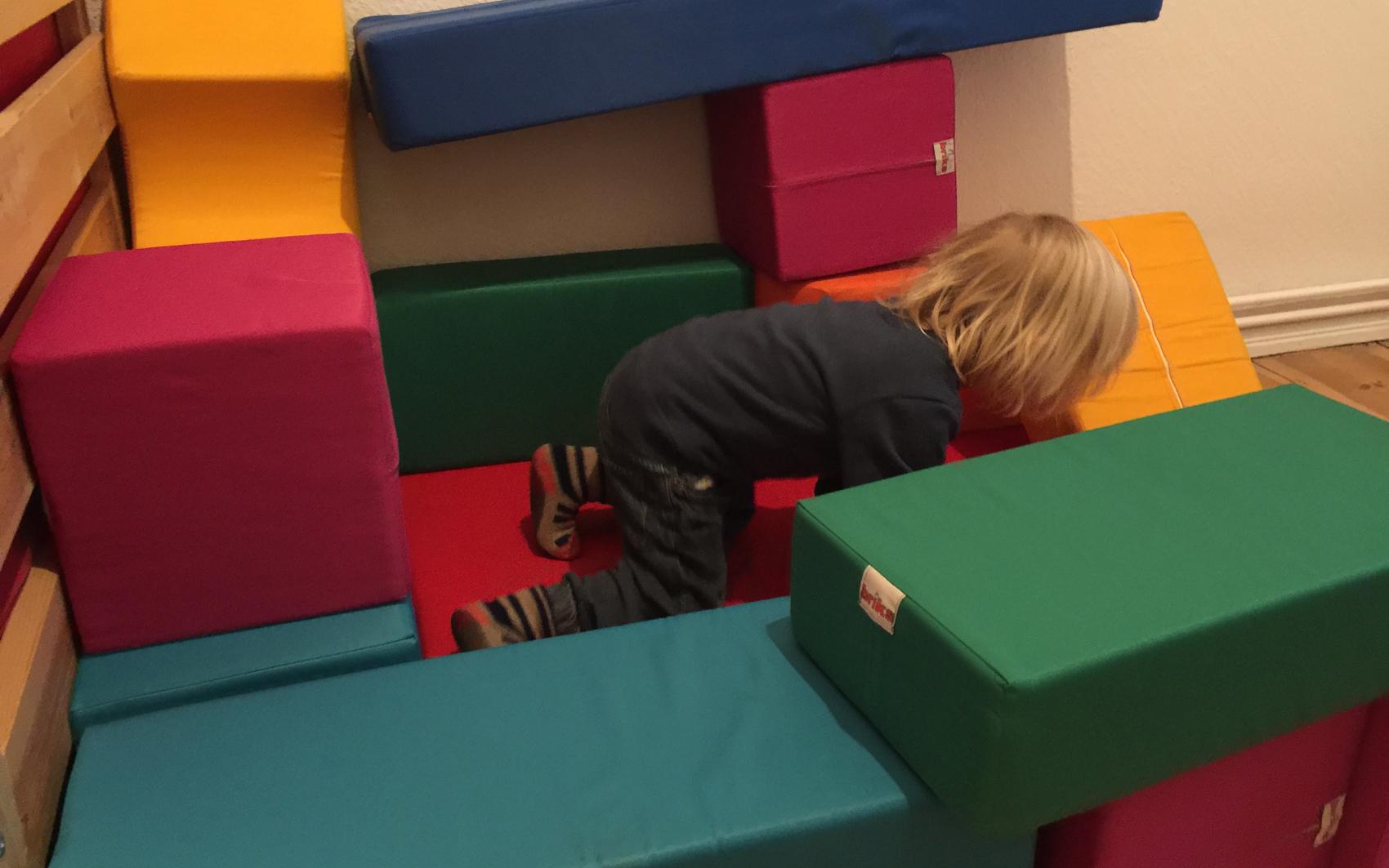 Lieblingsspielzeug: Riesenbausteine - Von guten Eltern